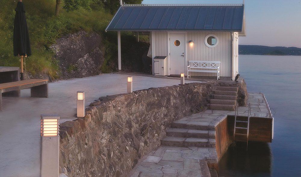 borne eclairage extérieur haut de gamme avec un indice de protection élevé pour une installation robuste dans un jardin ou en bord de mer